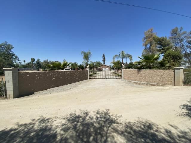 14194 Ave 328 B, Visalia, CA 93292 (#210918) :: The Jillian Bos Team