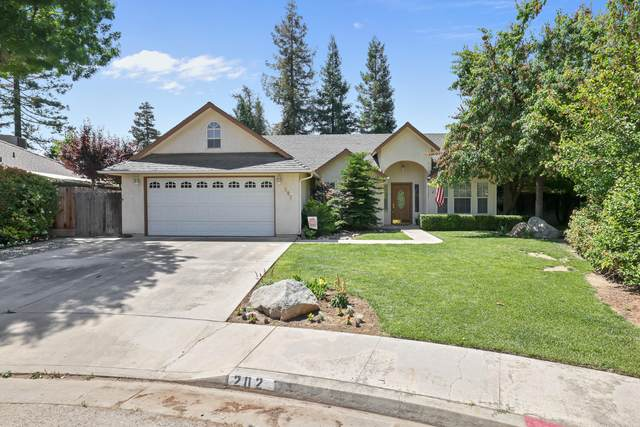 202 Hampton Court, Exeter, CA 93221 (#210942) :: The Jillian Bos Team