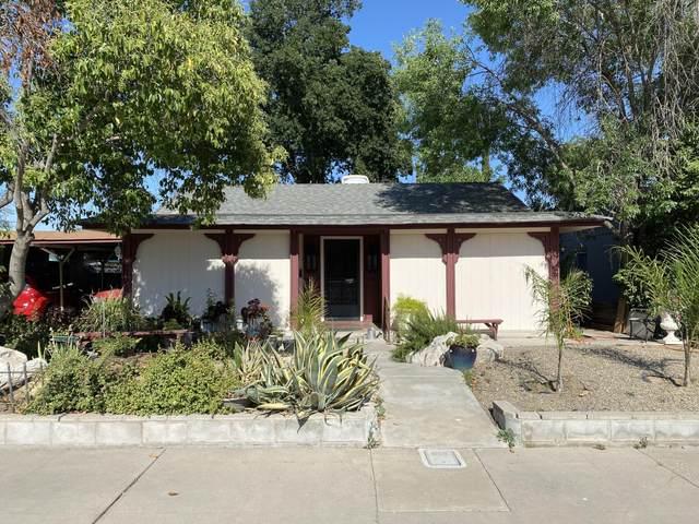 300 S Oakhurst Street, Visalia, CA 93292 (#210949) :: CENTURY 21 Jordan-Link & Co.