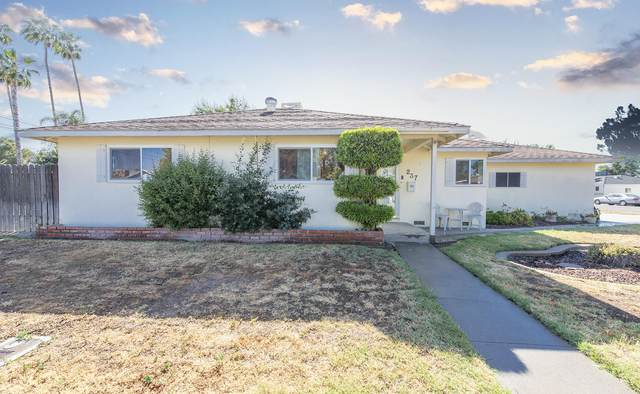 237 E Colonial Drive, Hanford, CA 93230 (#210954) :: Martinez Team