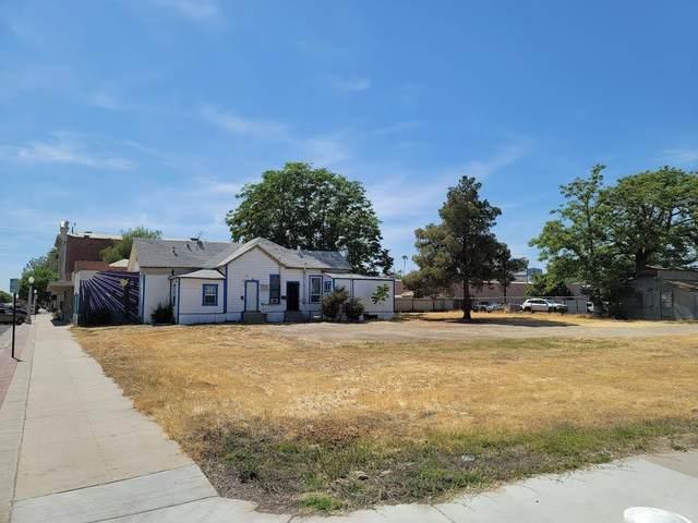 128 E 8th Street, Hanford, CA 93230 (#210991) :: The Jillian Bos Team
