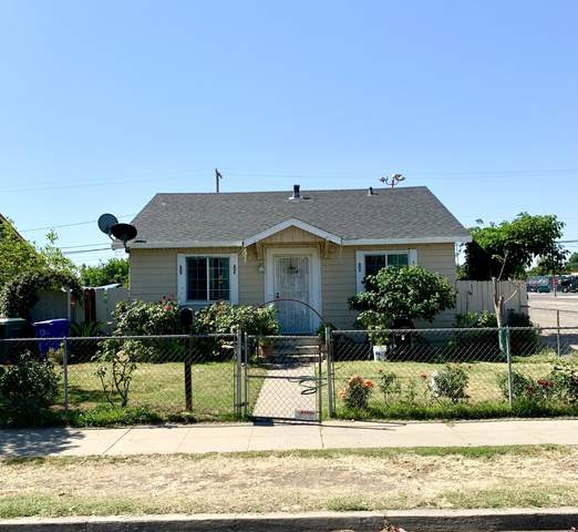 15 E Doris Avenue, Porterville, CA 93257 (#211325) :: Martinez Team