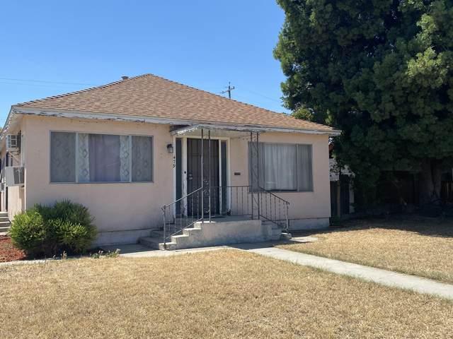 479 N Bates Avenue, Dinuba, CA 93618 (#211378) :: Robyn Icenhower & Associates