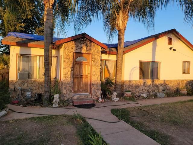 236 N West Street, Tulare, CA 93274 (#211404) :: Martinez Team