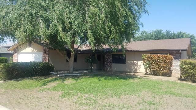 1550 Atkins Way, Porterville, CA 93257 (#211406) :: Martinez Team