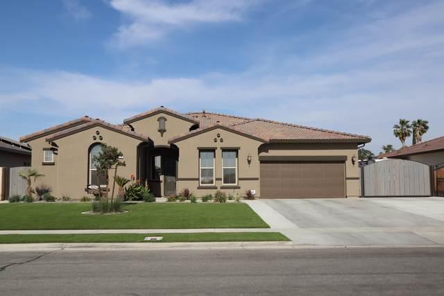 606 Nelson Street, Tulare, CA 93274 (#211413) :: Martinez Team