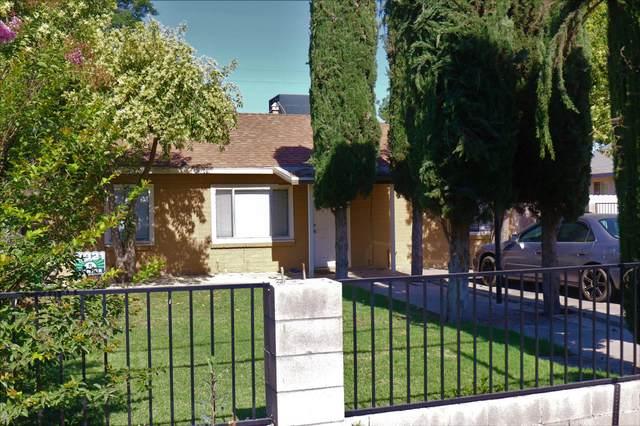 1449 N Giddings Street, Visalia, CA 93291 (#211422) :: Martinez Team