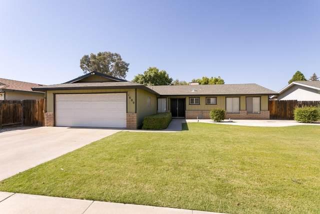 1680 W Terry Court, Porterville, CA 93257 (#211428) :: Martinez Team