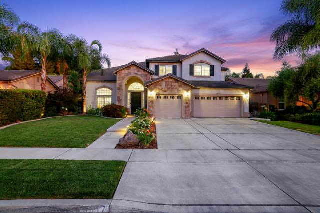 5917 W Buena Vista Court, Visalia, CA 93291 (#211468) :: Martinez Team