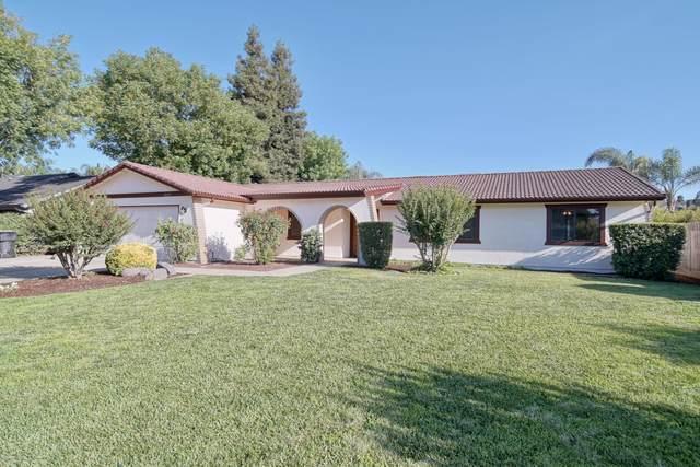 2621 E Feemster Avenue, Visalia, CA 93292 (#211469) :: Martinez Team
