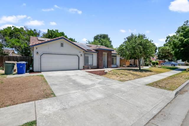 1110 Cinnamon Drive, Lemoore, CA 93245 (#211473) :: Martinez Team