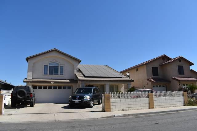 1405 5th Avenue, Delano, CA 93215 (#211477) :: Martinez Team