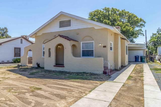 161 S Blackstone Street, Tulare, CA 93274 (#211492) :: Martinez Team