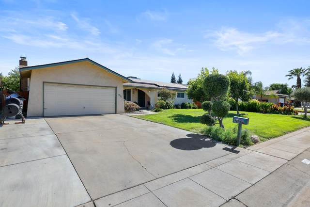 1711 W Monte Vista Avenue, Visalia, CA 93277 (#211516) :: Robyn Icenhower & Associates
