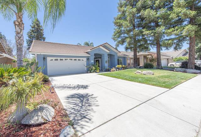 4029 E Meadow Avenue, Visalia, CA 93292 (#211517) :: Martinez Team