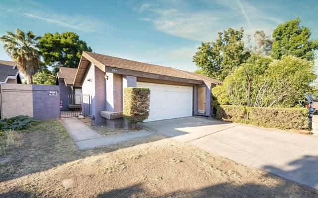 836 E Harold Avenue, Visalia, CA 93292 (#211527) :: Robyn Icenhower & Associates