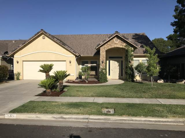1371 Butte Street, Tulare, CA 93274 (#211550) :: Martinez Team