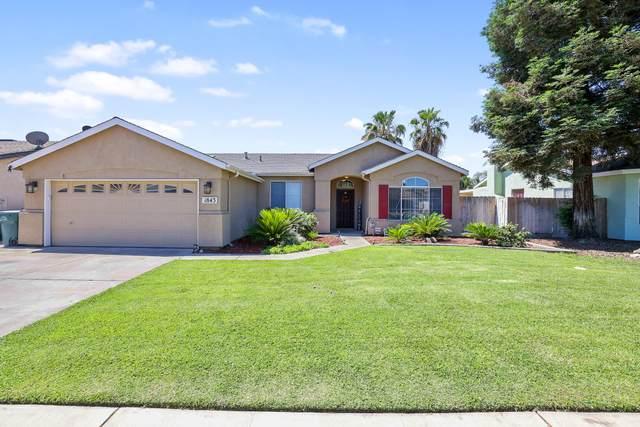 1843 Martinho Avenue, Tulare, CA 93274 (#211556) :: Martinez Team