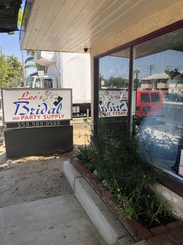 1269 N 10th Avenue, Hanford, CA 93230 (#211561) :: Martinez Team