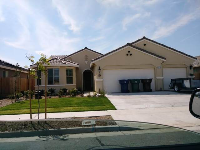 2835 Bell Port Avenue, Tulare, CA 93274 (#211568) :: Martinez Team