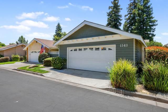 1343 E Castle Crest Avenue, Visalia, CA 93292 (#211596) :: The Jillian Bos Team