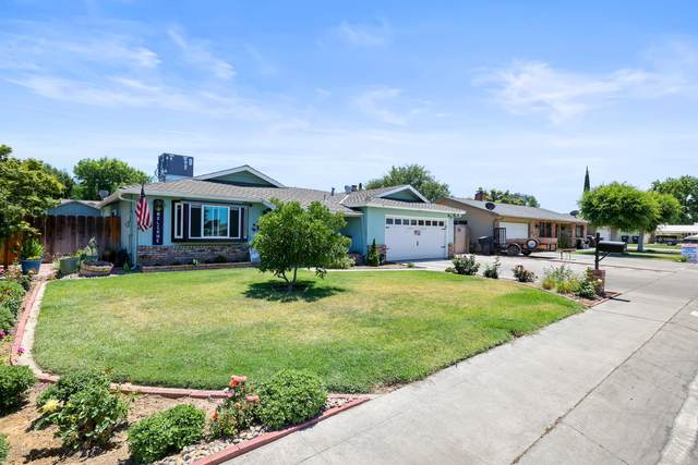 2922 S Linda Vista Street, Visalia, CA 93277 (#211618) :: The Jillian Bos Team