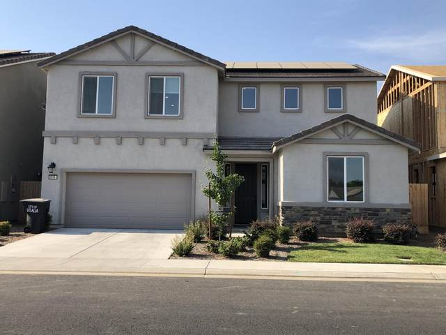 3016 E Mary Avenue, Visalia, CA 93292 (#211648) :: CENTURY 21 Jordan-Link & Co.