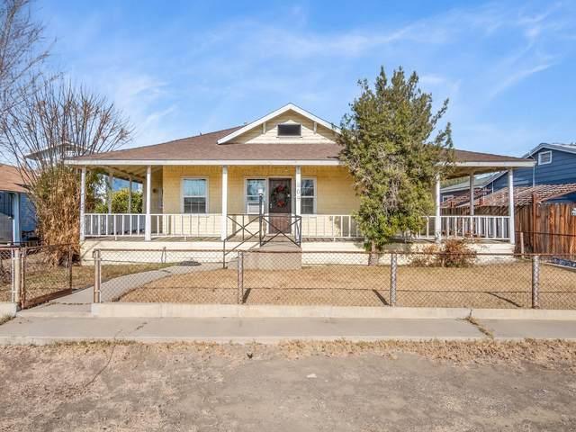 209 E Merced Street, Avenal, CA 93204 (#211706) :: Robyn Icenhower & Associates