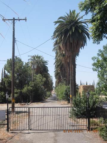 179 N Hillcrest Street, Porterville, CA 93257 (#211866) :: The Jillian Bos Team
