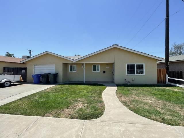 1136 S 12th Avenue, Hanford, CA 93230 (#212018) :: Robyn Icenhower & Associates