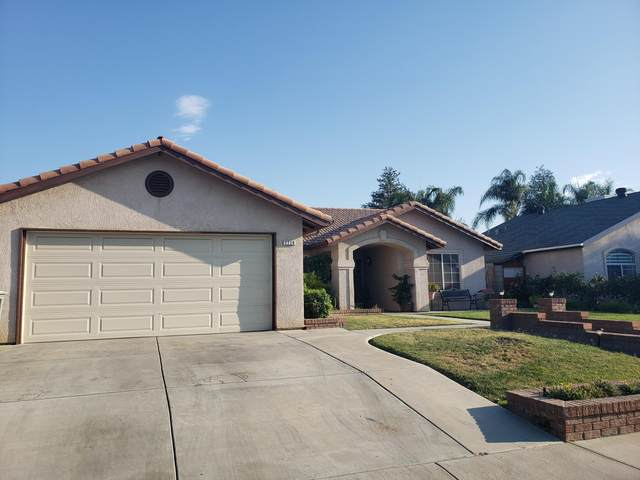 2220 Poplar Avenue, Delano, CA 93215 (#212041) :: Martinez Team