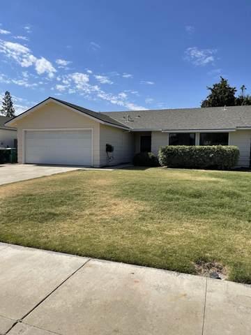 1631 W Sandra Avenue, Porterville, CA 93257 (#212115) :: The Jillian Bos Team