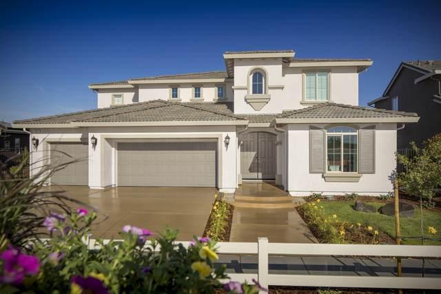 182 Ridge Creek Estates Way, Dinuba, CA 93618 (#212151) :: Robyn Icenhower & Associates