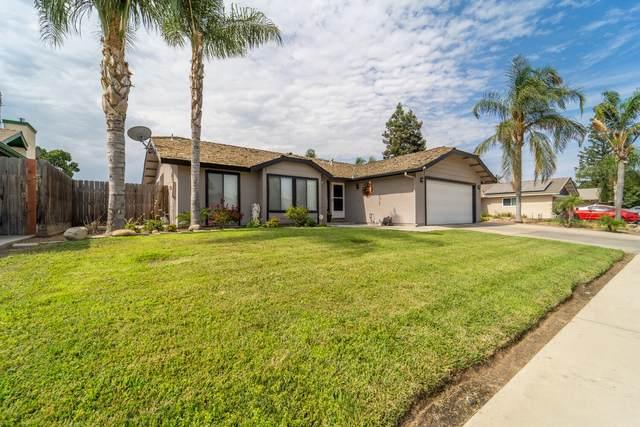 1981 E Sandalwood Avenue, Tulare, CA 93274 (#212195) :: Robyn Icenhower & Associates
