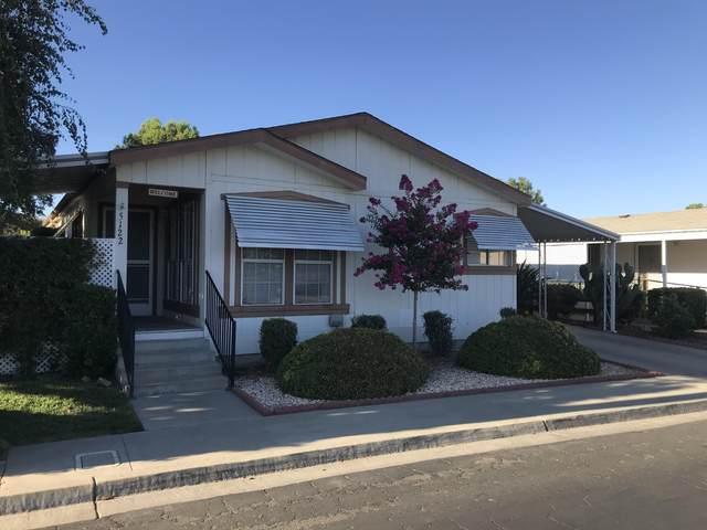 5122 W Dorothea Avenue, Visalia, CA 93277 (#212259) :: Martinez Team