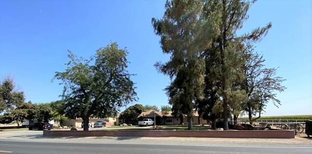 3561 W Inyo Avenue, Tulare, CA 93274 (#212303) :: Robyn Icenhower & Associates