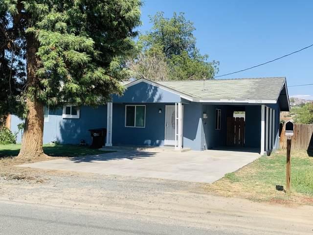 1048 N Howland Street, Porterville, CA 93257 (#212305) :: The Jillian Bos Team