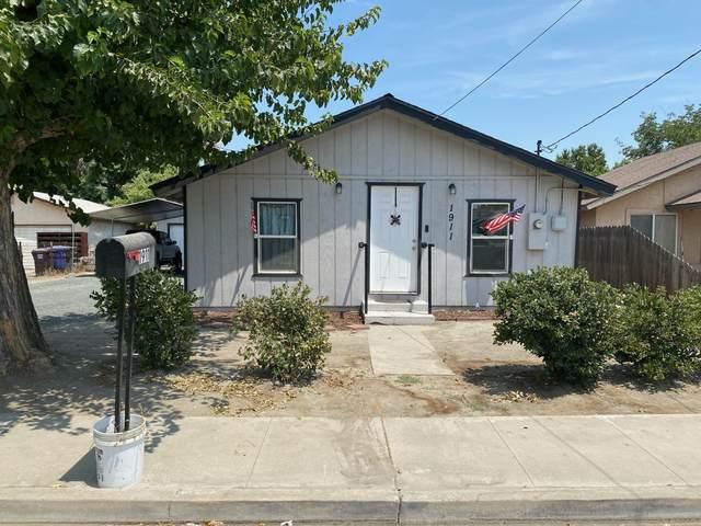 1911 Estes Avenue, Corcoran, CA 93212 (#212338) :: Robyn Icenhower & Associates