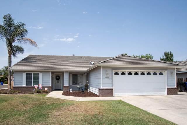 1231 Greenfield Street, Porterville, CA 93257 (#212362) :: Robyn Icenhower & Associates