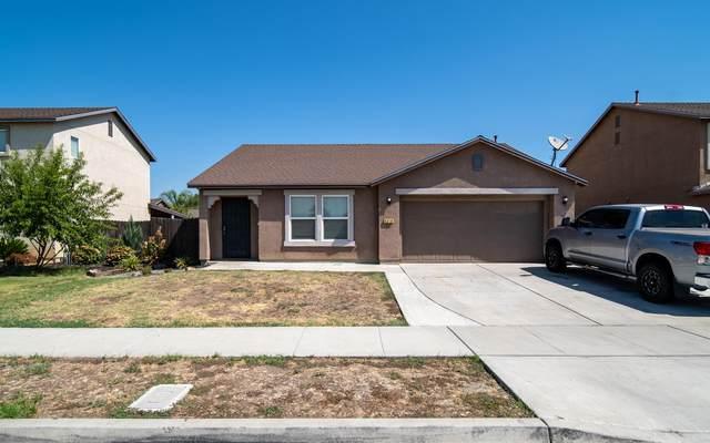 4318 E Willow Avenue, Visalia, CA 93292 (#212381) :: The Jillian Bos Team