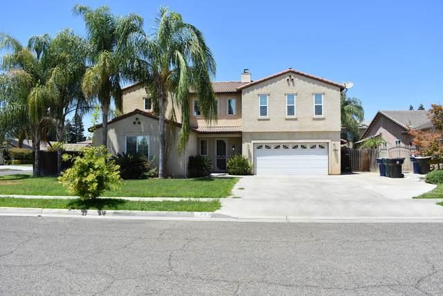 1700 Estrella Court, Tulare, CA 93274 (#212394) :: Robyn Icenhower & Associates