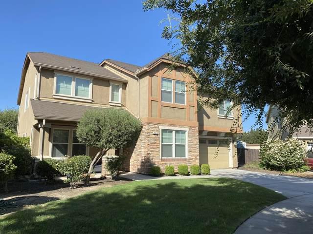 1594 Bellflower Street, Kingsburg, CA 93631 (#212401) :: Robyn Icenhower & Associates