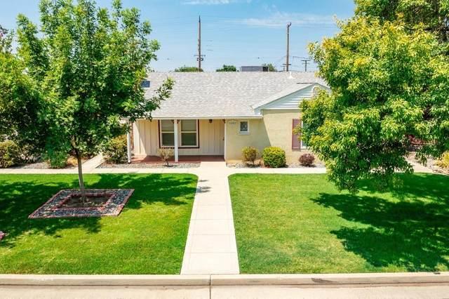 1802 Mckinley Avenue, Hanford, CA 93230 (#212460) :: Robyn Icenhower & Associates