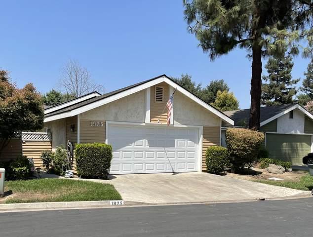 1925 S Pinnacle Street, Visalia, CA 93292 (#212545) :: Martinez Team