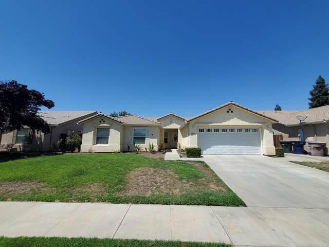 1960 E Sandalwood Avenue, Tulare, CA 93274 (#212578) :: Martinez Team