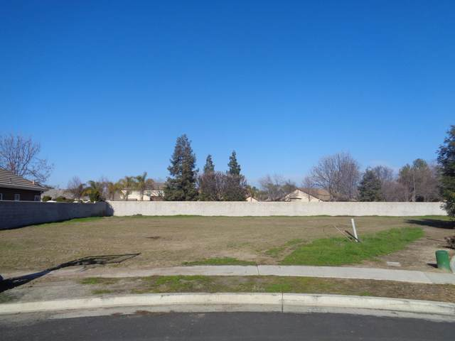 000 Dover Canyon Place, Tulare, CA 93274 (#212706) :: Martinez Team