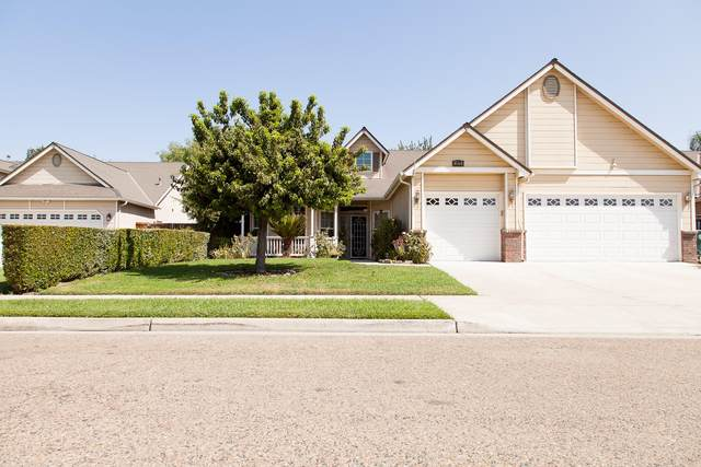 2478 Dinky Creek Court, Tulare, CA 93274 (#212717) :: Martinez Team