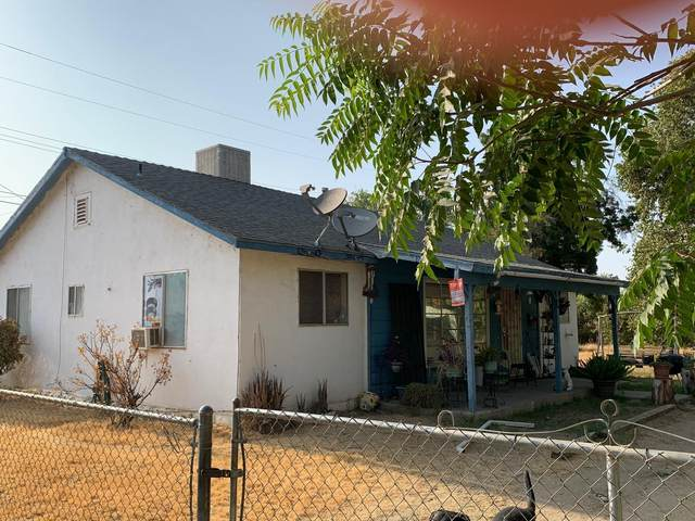 1342 Poplar, Porterville, CA 93257 (#212886) :: Robyn Icenhower & Associates