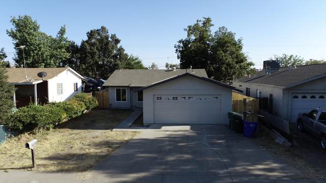 15 E Laurel Avenue, Porterville, CA 93257 (#213227) :: Robyn Icenhower & Associates