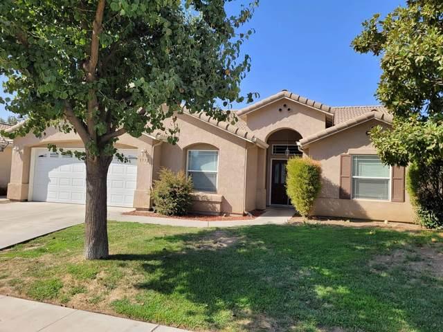 1972 E Sandalwood Avenue, Tulare, CA 93274 (#213285) :: Martinez Team